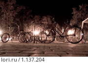Купить «Велосипеды вечером», фото № 1137204, снято 21 октября 2019 г. (c) Алексей Хромушин / Фотобанк Лори