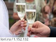 Купить «Бокалы с шампанским», фото № 1152132, снято 17 ноября 2018 г. (c) Георгий Солодко / Фотобанк Лори
