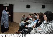 Купить «Киноактриса Ольга Гобзева  выступает перед зрителями  на Шукшинском кинофестивале», эксклюзивное фото № 1170188, снято 24 июля 2009 г. (c) Free Wind / Фотобанк Лори