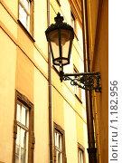 Купить «Уличный фонарь», фото № 1182956, снято 6 октября 2009 г. (c) Роман Сигаев / Фотобанк Лори