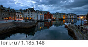 Купить «Панорама вечернего Олесунна», фото № 1185148, снято 9 августа 2009 г. (c) Марченко Дмитрий / Фотобанк Лори