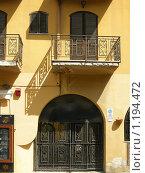 Купить «Колоритный фасад здания», фото № 1194472, снято 19 сентября 2009 г. (c) Neta / Фотобанк Лори