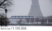 Купить «Останкино. Весна. Снегопад.», эксклюзивное фото № 1195808, снято 3 апреля 2009 г. (c) Алёшина Оксана / Фотобанк Лори