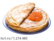 Купить «Блины с красной икрой на белом фоне», фото № 1214480, снято 14 ноября 2009 г. (c) Юлия Сайганова / Фотобанк Лори