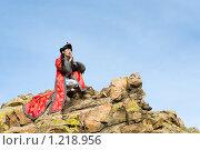 Купить «Мужчина в монгольской национальной одежде. Чингис Хандажапов популярный исполнитель в стиле этно поп. Бурятия.», фото № 1218956, снято 24 сентября 2009 г. (c) Александр Подшивалов / Фотобанк Лори