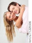 Купить «Влюбленная пара», фото № 1229636, снято 30 мая 2009 г. (c) Losevsky Pavel / Фотобанк Лори