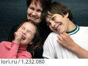 Счастливая семья. Стоковое фото, фотограф Владимир Цветов / Фотобанк Лори