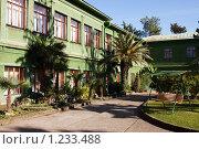 Купить «Внутренний двор дачи Сталина в Сочи», фото № 1233488, снято 21 ноября 2009 г. (c) Наталья Обуховская / Фотобанк Лори