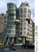 Купить «Танцующий дом», фото № 1238764, снято 10 августа 2008 г. (c) Лидия Ракчеева / Фотобанк Лори