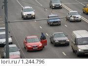 Сотрудник ГИБДД остановил автомобиль (2007 год). Редакционное фото, фотограф Сергей Малеинов / Фотобанк Лори