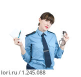 Купить «Девушка-милиционер с наручниками», фото № 1245088, снято 15 ноября 2009 г. (c) Яков Филимонов / Фотобанк Лори