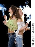 Купить «Девушки с сигарами», фото № 1257836, снято 25 марта 2009 г. (c) Сергей Сухоруков / Фотобанк Лори