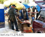 Купить «Мясник», фото № 1275636, снято 10 октября 2009 г. (c) Сергей Зубов / Фотобанк Лори
