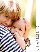 Мама и сын. Стоковое фото, фотограф Дмитрий Смиренко / Фотобанк Лори