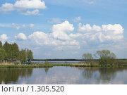 Майский день на озере. Разлив. Стоковое фото, фотограф Виталий Фурсов / Фотобанк Лори