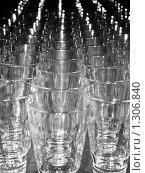 Купить «Стеклянные стаканы», фото № 1306840, снято 17 декабря 2009 г. (c) Юрий Винокуров / Фотобанк Лори