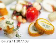 Закуска в ресторане. Стоковое фото, фотограф Федор Кондратенко / Фотобанк Лори