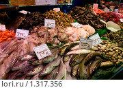 Купить «Рыбная лавка», фото № 1317356, снято 8 мая 2008 г. (c) Федор Кондратенко / Фотобанк Лори
