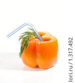 Купить «Коктейль из перца, изолированный на белом фоне», фото № 1317492, снято 29 ноября 2008 г. (c) Федор Кондратенко / Фотобанк Лори