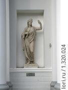 Купить «Античная скульптура Афины», фото № 1320024, снято 29 октября 2009 г. (c) Александр Секретарев / Фотобанк Лори
