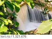 Купить «Маленький водопад», фото № 1321676, снято 15 августа 2009 г. (c) Анна Лурье / Фотобанк Лори