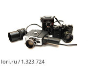 Купить «Старые фотокамеры на белом фоне», фото № 1323724, снято 1 мая 2009 г. (c) Воронин Владимир Сергеевич / Фотобанк Лори