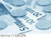 Купить «Бумажные купюры евро и рассыпанные на них монеты (тонирование голубым)», фото № 1328076, снято 3 февраля 2009 г. (c) Самохвалов Артем / Фотобанк Лори