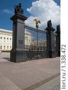 Русский музей. Фрагмент ворот (2009 год). Редакционное фото, фотограф Татьяна Князева / Фотобанк Лори
