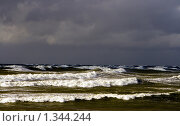 Купить «Волны», фото № 1344244, снято 4 октября 2009 г. (c) Анна Лурье / Фотобанк Лори