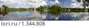 Купить «Царское Село. Екатерининский парк. Большой пруд. Панорама», фото № 1344808, снято 22 июля 2009 г. (c) Олег Титов / Фотобанк Лори