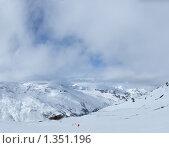 Купить «Горы и просвет в облаках», фото № 1351196, снято 2 февраля 2008 г. (c) Семин Илья / Фотобанк Лори