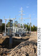 Купить «Строительство подстанции 110 кВ», фото № 1352016, снято 10 сентября 2009 г. (c) Андрей Николаев / Фотобанк Лори