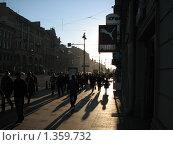Главная улица в Санкт-Петербурге, закатный силуэт (2009 год). Редакционное фото, фотограф Яков Козарез / Фотобанк Лори