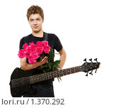 Купить «Молодой человек с букетом роз», фото № 1370292, снято 2 марта 2009 г. (c) Алена Роот / Фотобанк Лори