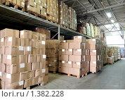 Купить «Склад с коробками», фото № 1382228, снято 8 октября 2009 г. (c) Дмитрий Калиновский / Фотобанк Лори