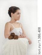 Купить «Девушка в белом», фото № 1386408, снято 16 января 2010 г. (c) Наталия Ефимова / Фотобанк Лори
