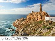 Галисия (Испания): маяк Кабо Вилан на Атлантическом океане. Стоковое фото, фотограф Дмитрий Яковлев / Фотобанк Лори