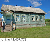 Купить «Домик в деревне», фото № 1407772, снято 7 июня 2009 г. (c) Сергей Зубов / Фотобанк Лори