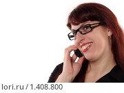 Купить «Портрет молодой девушки в очках и с мобильным телефоном - деловой стиль», фото № 1408800, снято 22 ноября 2009 г. (c) Наталья Белотелова / Фотобанк Лори