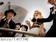 Купить «Кинозвезда в центре внимания», фото № 1417140, снято 11 августа 2007 г. (c) Andrejs Pidjass / Фотобанк Лори