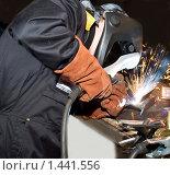 Купить «Работа сварщика», фото № 1441556, снято 28 ноября 2009 г. (c) Vladimirs Koskins / Фотобанк Лори