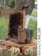 Купить «Старый дымокур, рамка с сотами», фото № 1445396, снято 9 октября 2009 г. (c) Владимир Фаевцов / Фотобанк Лори