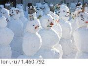 Купить «Толпа снеговиков», фото № 1460792, снято 7 февраля 2010 г. (c) Вера Волкова / Фотобанк Лори