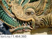 Купить «Фрагмент рельефа лестницы в Буддийском монастыре в Паттае. Таиланд», фото № 1464360, снято 7 января 2010 г. (c) Куликова Татьяна / Фотобанк Лори
