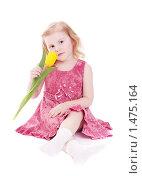 Купить «Красивая девочка с тюльпаном», фото № 1475164, снято 13 февраля 2010 г. (c) Майя Крученкова / Фотобанк Лори