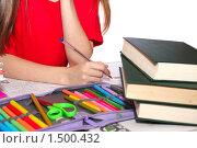 Книги и детская рука с авторучкой. Стоковое фото, фотограф Олег Юрмашев / Фотобанк Лори