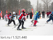 Старт детских лыжных соревнований (2010 год). Редакционное фото, фотограф Ольга Полякова / Фотобанк Лори