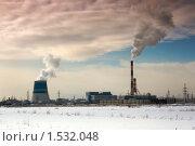 Промышленный пейзаж с дымящимися трубами. Стоковое фото, фотограф Наталия Жильцова / Фотобанк Лори