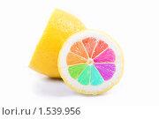 Разноцветный лимон на белом фоне. Стоковое фото, фотограф Суров Антон / Фотобанк Лори