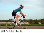 Велосипедист (2009 год). Редакционное фото, фотограф Василий Шульга / Фотобанк Лори